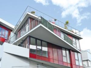 Immobilie jetzt kaufen oder lieber mieten? Immobilienmakler Zirm klärt Sie über den Immobilienmarkt in München auf.