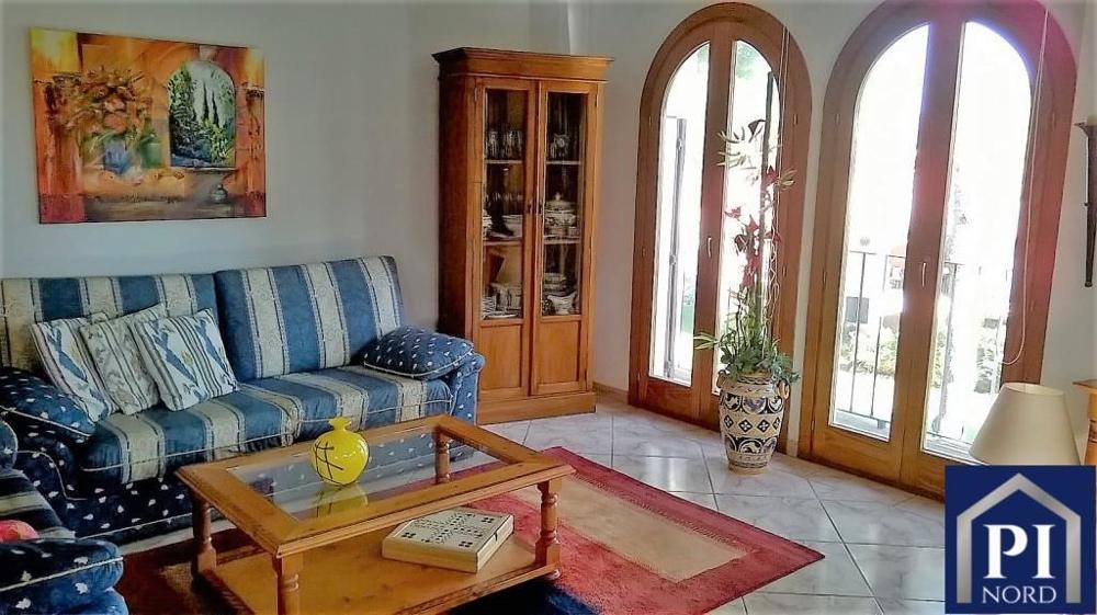 Wohnzimmer mit bodentiefen ....png